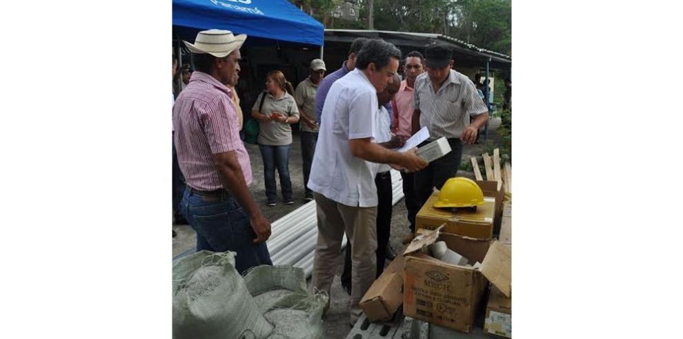 AES Panamá ayuda a residentes de La Nícora