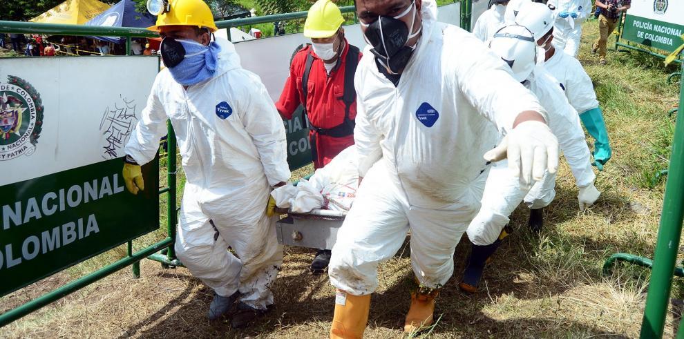 Sube a seis el número de cadáveres retirados de mina inundada en Colombia