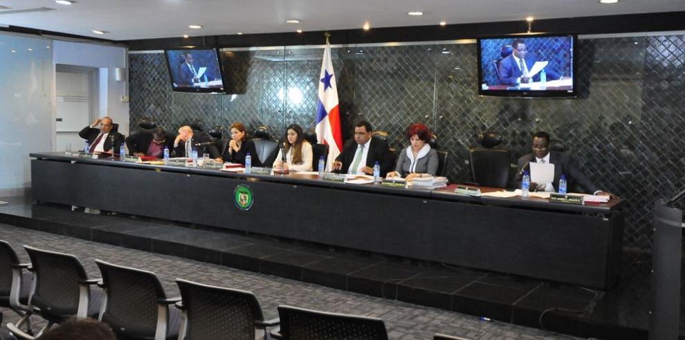 Barría antepuso un viaje político al deber legislativo