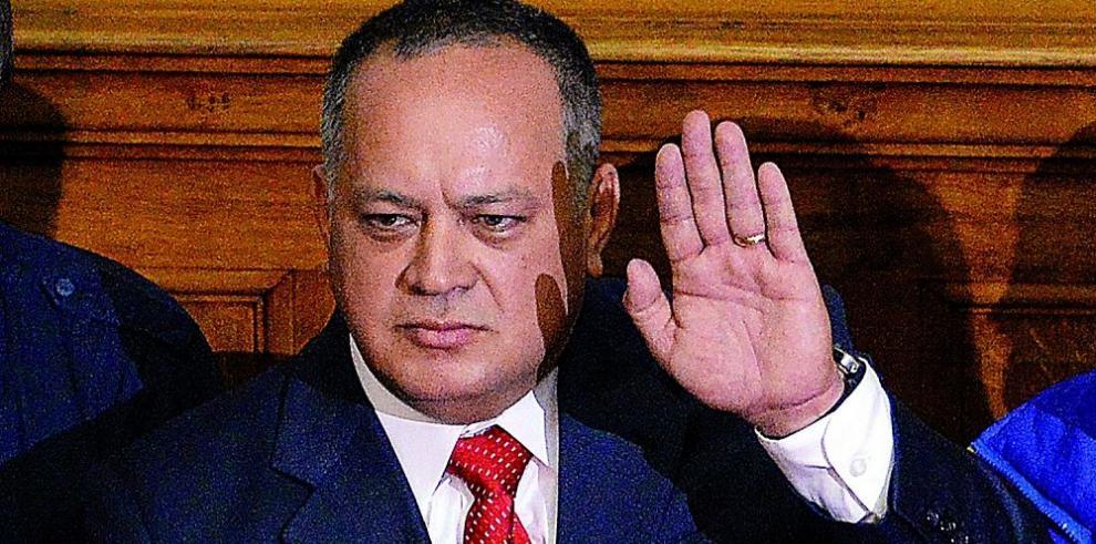 Parlamentario cuestiona a la canciller colombiana