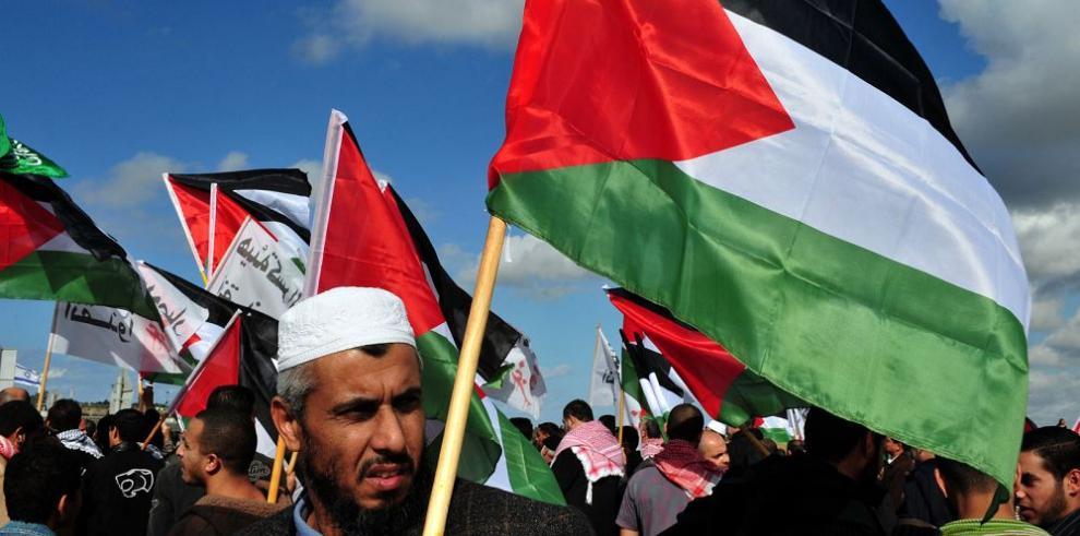 Palestinos redactan borrador de su constitución