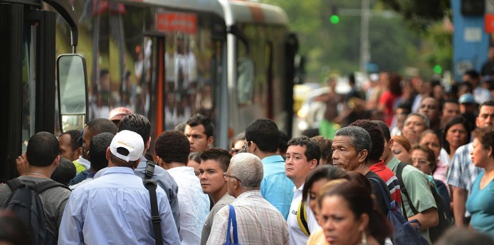 Gobierno panameño ofrece detalles de la compra del Metrobús