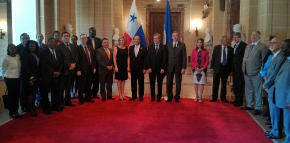 Embajador de Panamá ante la OEA presenta cartas credenciales