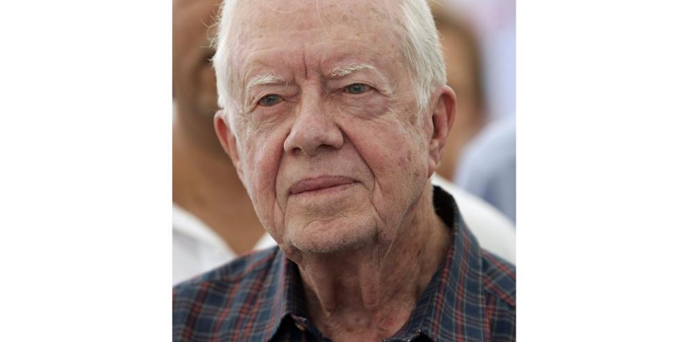 Carter dice no experimentar efectos negativos por tratamiento de cáncer