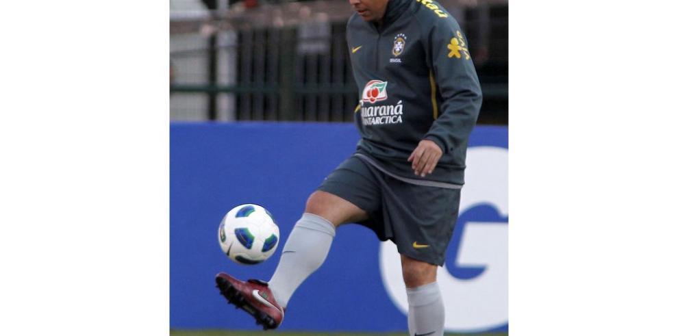 Ronaldo llamó anticuado a Fabio Capello