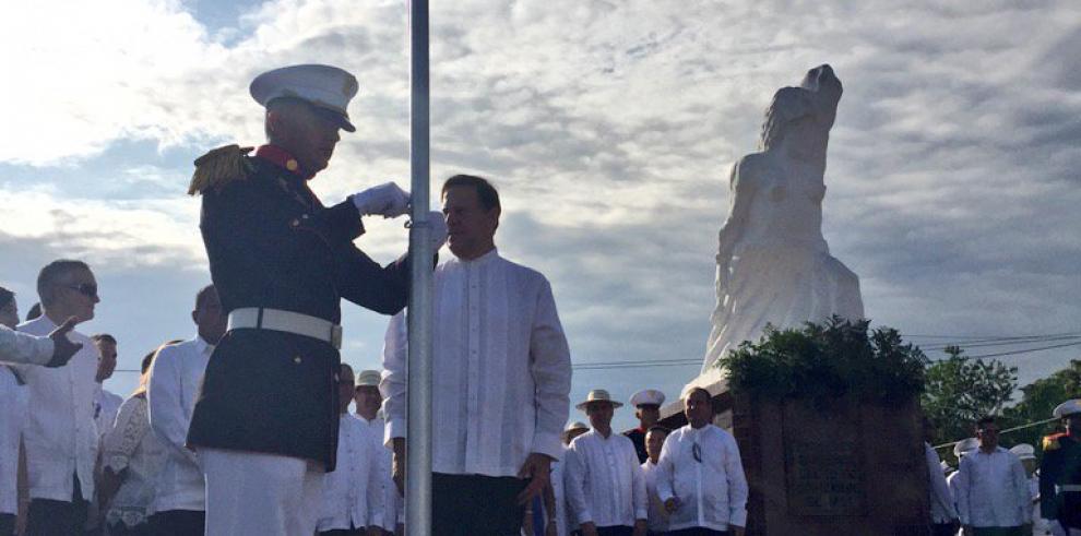 Santeños celebran 194 años del Primer Grito de Independencia