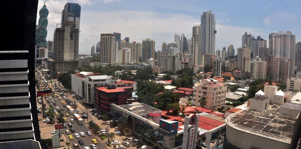 Banca panameña se mueve a buen ritmo