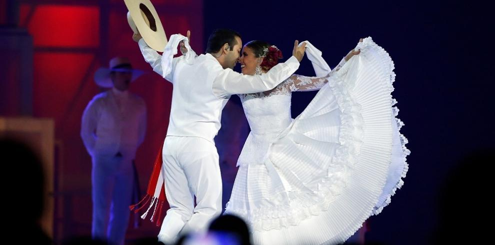 Toronto baila a sus Juegos y entrega la posta de los Panamericanos a Lima