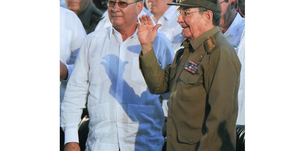 Raúl Castro encabeza aniversario de asalto al Moncada en Cuba