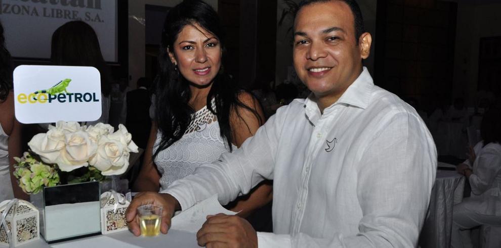 Celebran fiesta nacional de Colombia