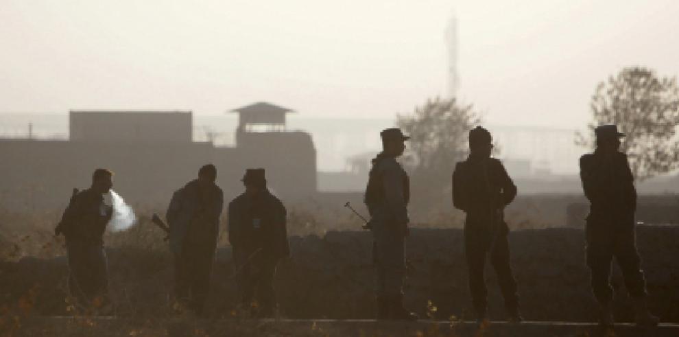 Mueren seis estadounidenses en ataque suicida en Afganistán
