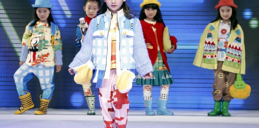 Pasarela de moda infantil en China