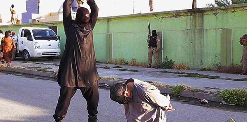 Isis ejecuta a tres hombres por espiar para el gobierno de Irak