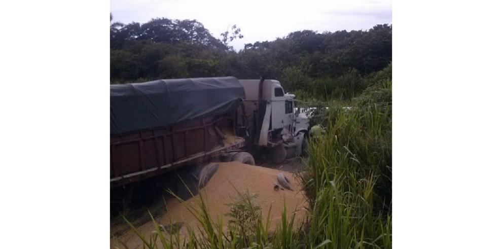 Múltiple colisión deja una víctima fatal en Aguadulce