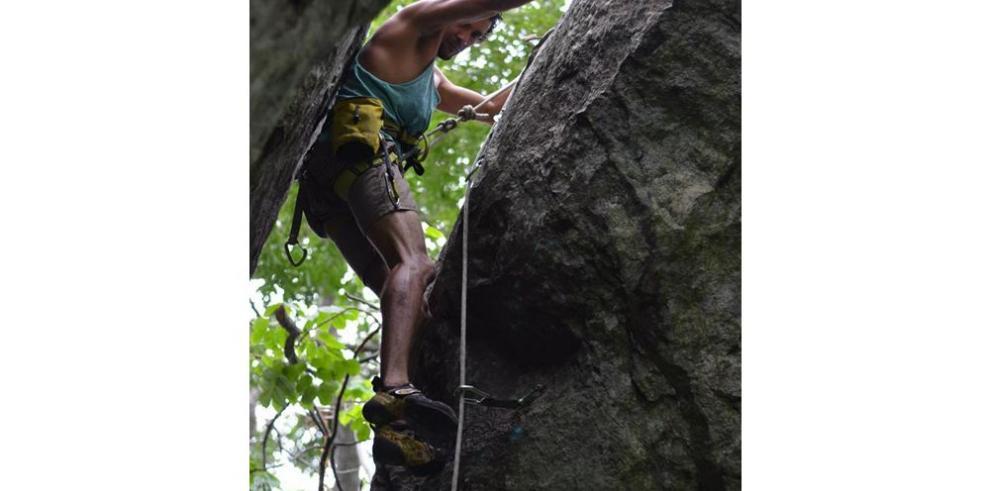 Promueven la apertura de rutas de escalada
