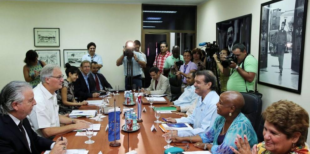 La Unión Europea y Cuba siguen tras un acuerdo bilateral