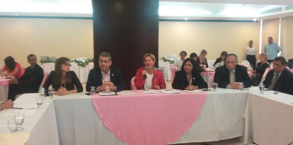 Comisión contra VIH se reunió en Colón