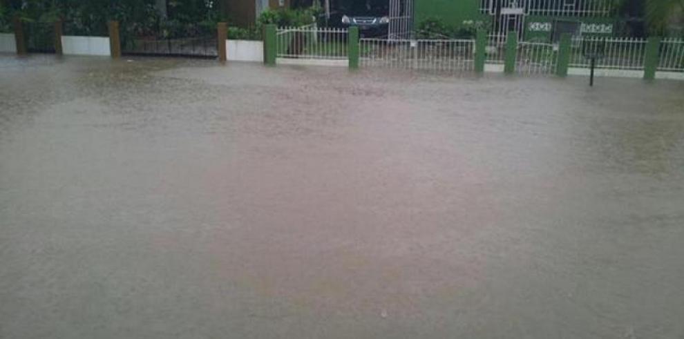 Al menos 50 familias afectadas por las fuertes lluvias