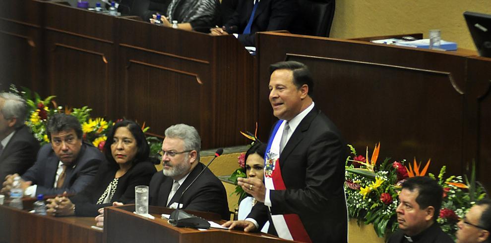 Varela destaca el cumplimiento de las leyes y promete cambios