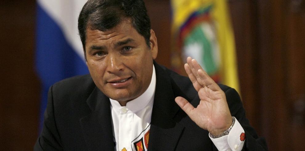 Correa alerta sobre planes