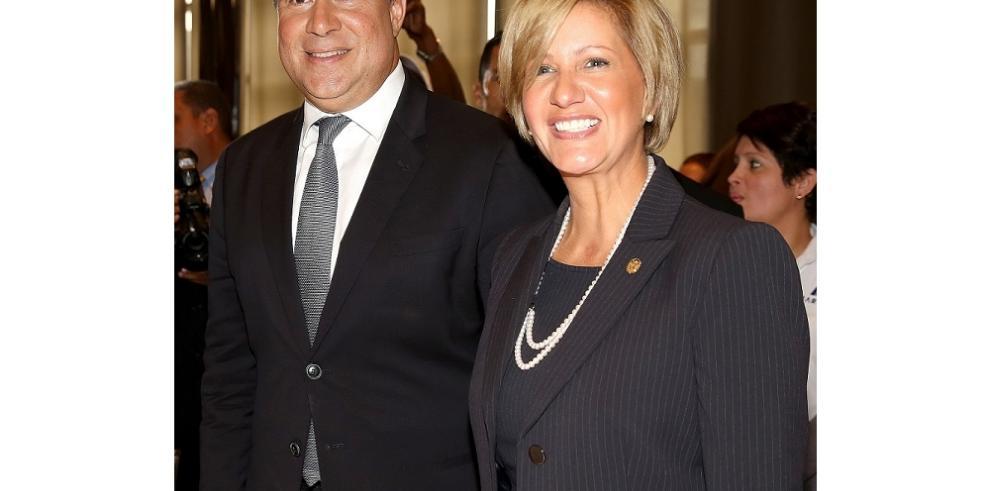 Juan Carlos Varela y Lorena Castillo viajaron a República Dominicana
