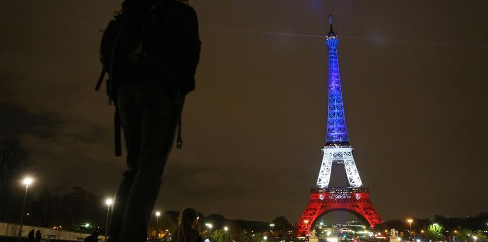 La torre Eiffel cerrada otra vez por seguridad