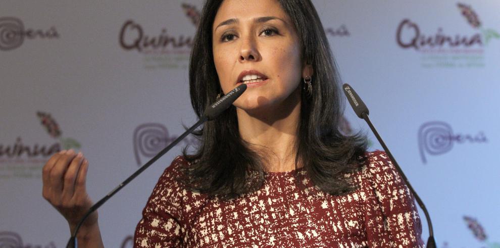 Fiscalía investiga a primera dama de Perú por lavado de activos