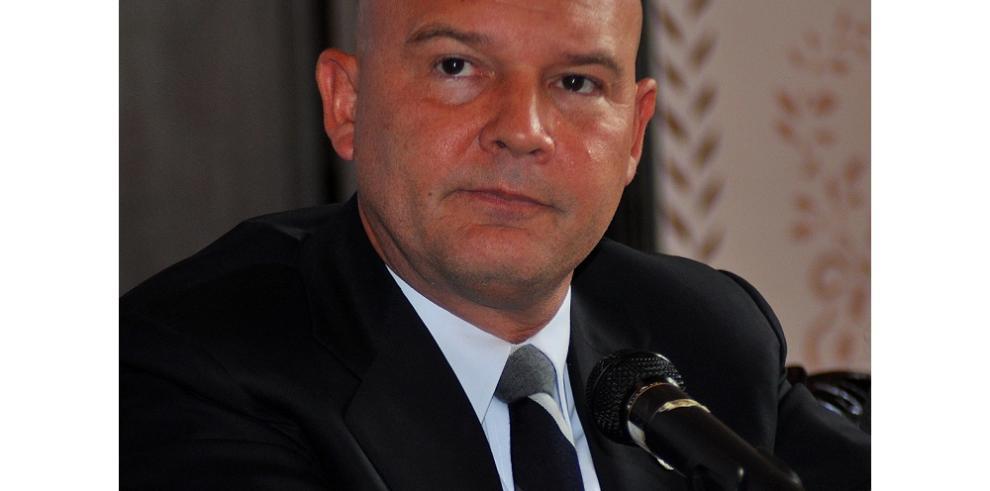 Gustavo Pérez en la espera de su sentencia por el caso de armas