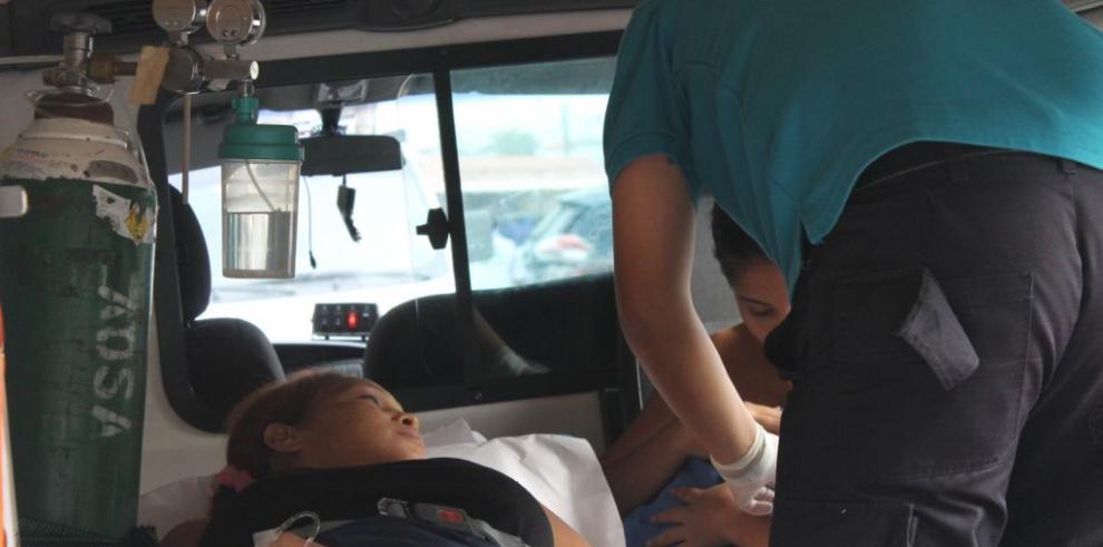 Mujer de 39 años da a luz a su noveno hijo dentro de un taxi