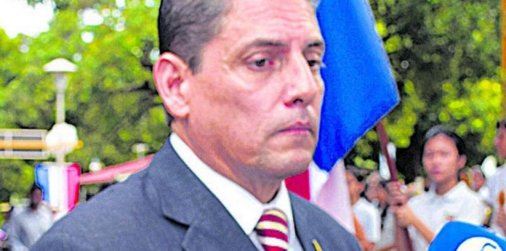 Anuncian honras fúnebres de Luis De Ycaza
