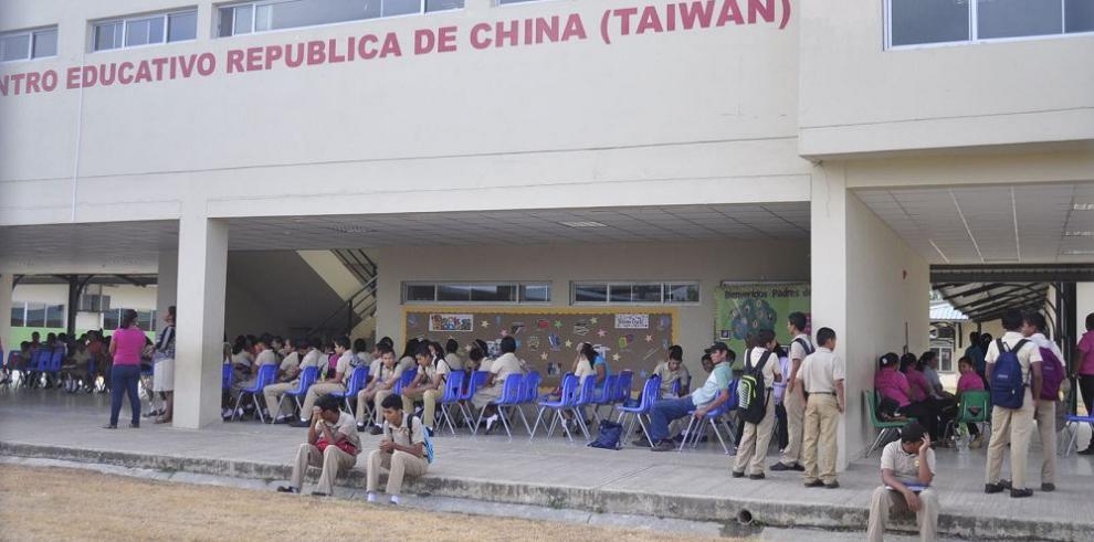 Centro China (Taiwán) reanuda clases