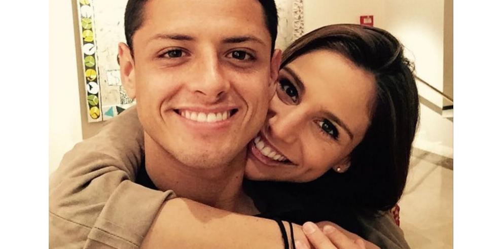 "Chicharito declara ser ""literalmente feliz"" con Lucía Villalón"
