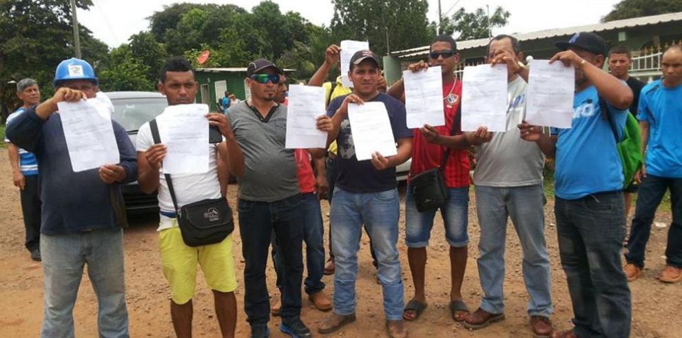 """Obreros del Miviot protestan por despido """"injustificado"""""""