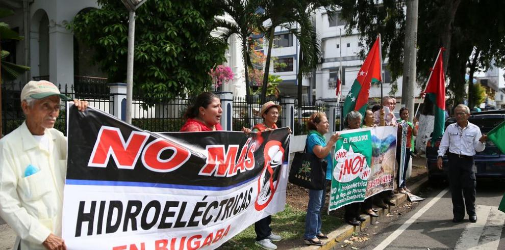 Bugabeños se oponen al exceso de hidroeléctricas