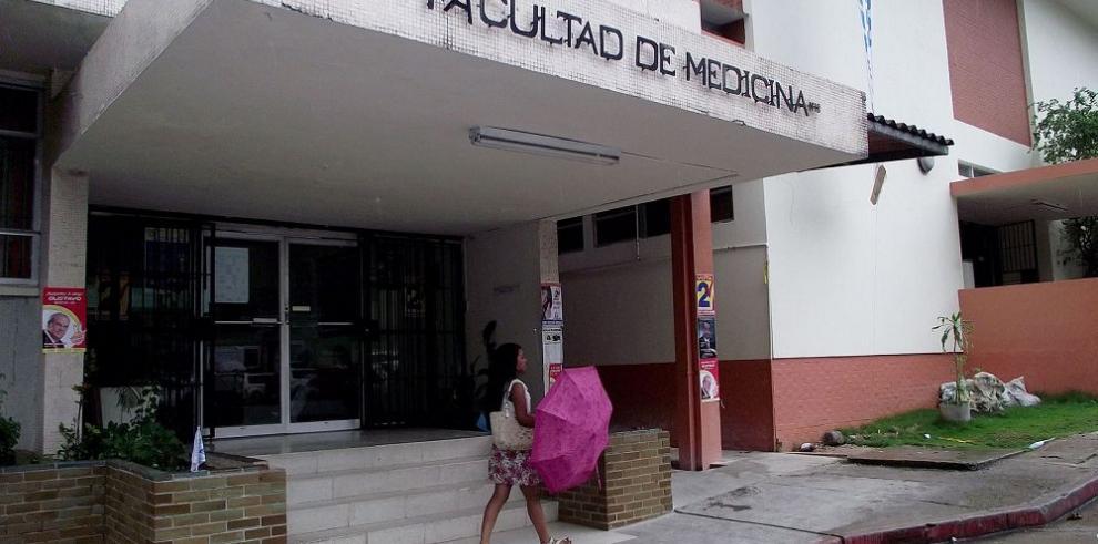 Disputa entre decano y Consejo Académico por licenciaturas