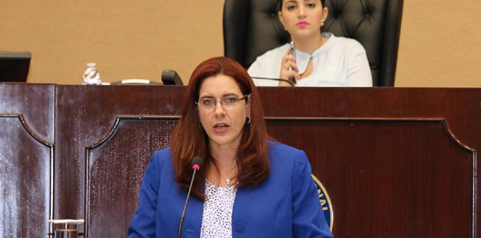 Directora del IDAAN negó que vayan a privatizar la institución