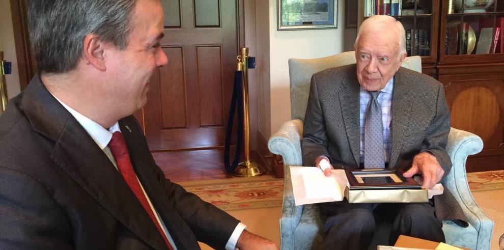 Jimmy Carter complacido con el Museo de la Democracia de Panamá