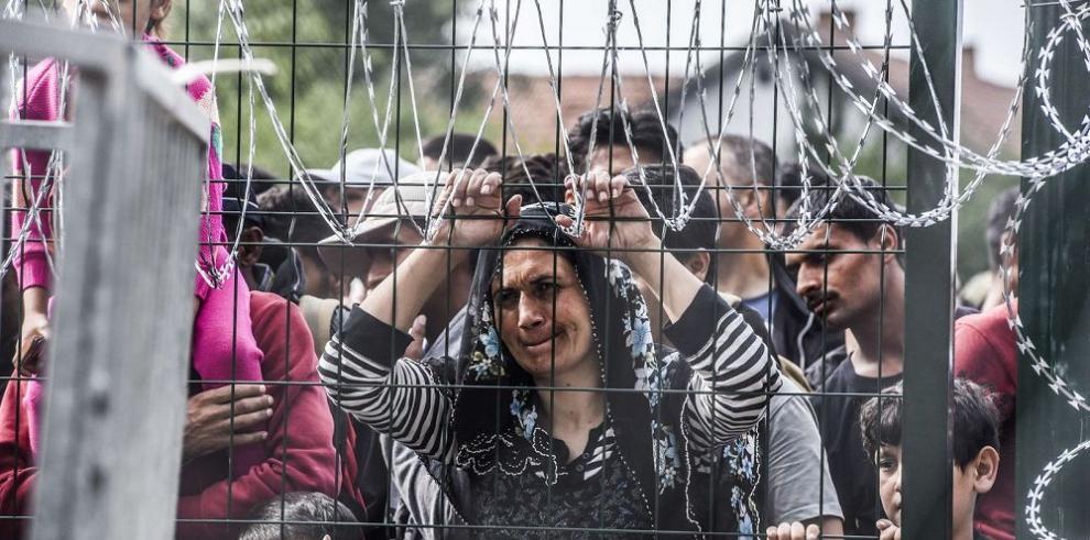 Hungría se cierra más y Croacia abre sus fronteras
