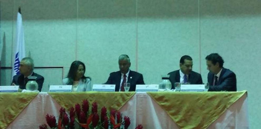 Costa Rica y Panamá firman acuerdo sobre migraciones laborales