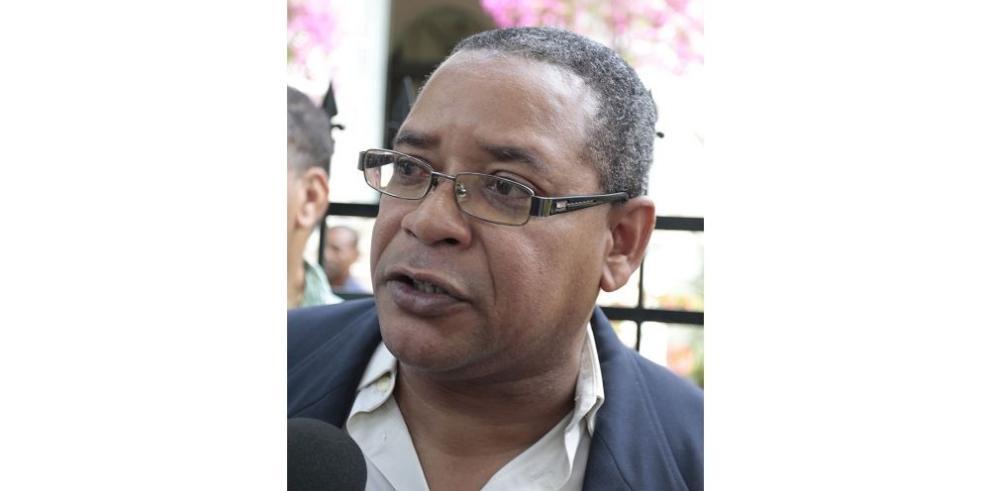 Denuncian a Martinelli, Sáez Llorens y Marlon de Souza