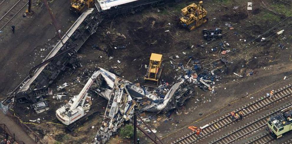 Siete muertos por tren accidentado en Filadelfia