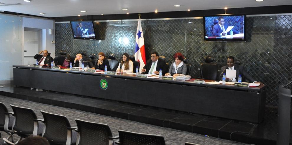 Valderrama espera solicitud para sesiones judiciales