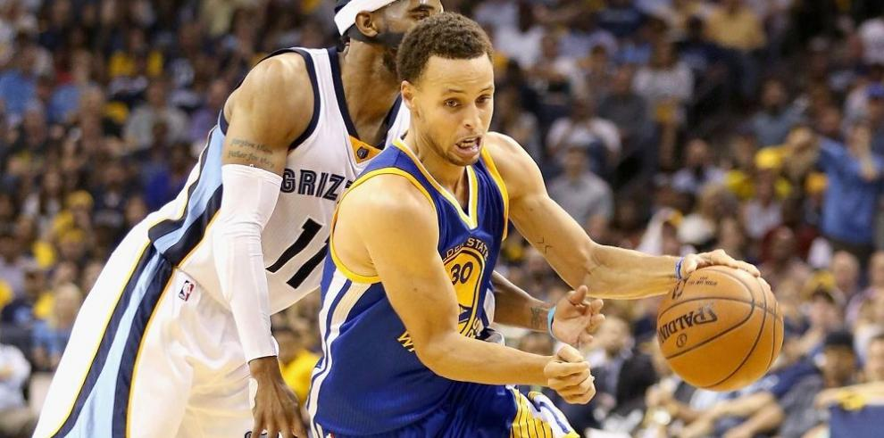 Warriors y Hawks imponen autoridad