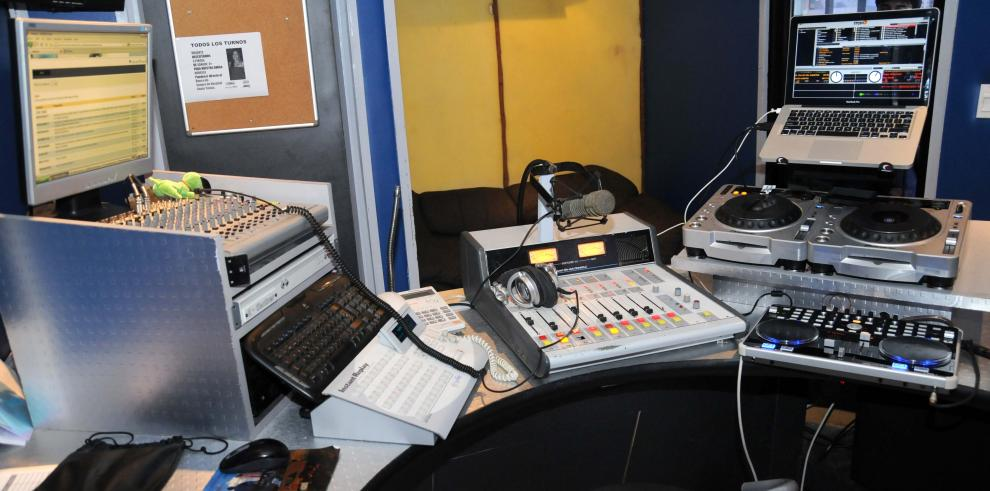 Chile aprueba ley para que el 20% de la música en radios sea local