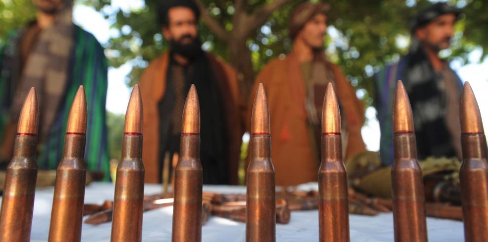 Talibanes secuestran a dos jóvenes por ser cantantes en Afganistán