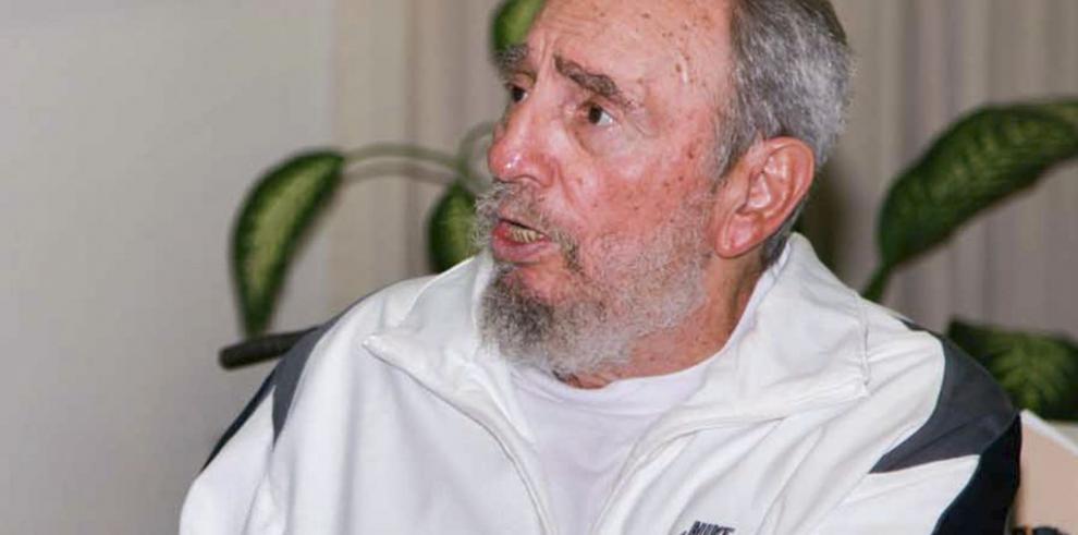 Fidel Castro dice ser un