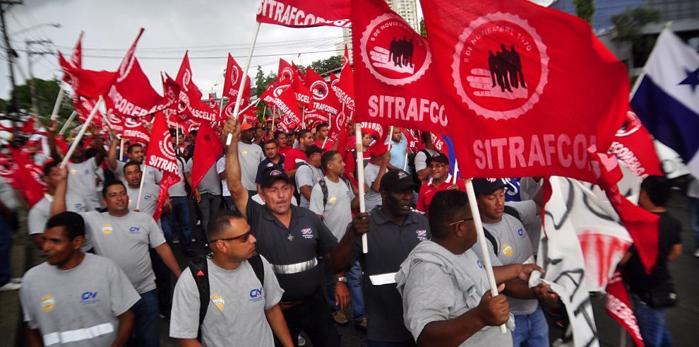 Tras 13 días de huelga no hay acuerdo en Cervecería Nacional