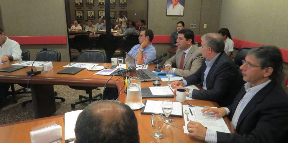 Secretario Ejecutivo de Conades se reúne con miembros de la CAPAC