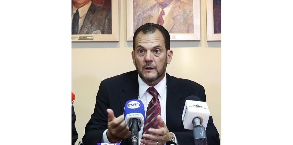Humbert suspende pagos a diputados suplentes que laboran en entidades