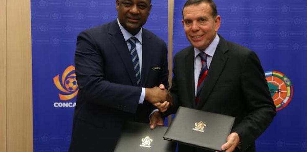 Conmebol y Concacaf firman acuerdo en desarrollo del fútbol